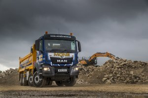 MAN 8x4 TGS Head to Lees for Mone Bros