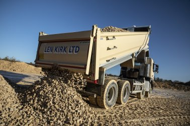 Bulk & Tipper: Len Kirk Plant Hire