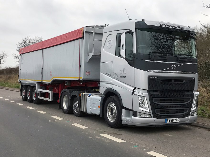 This year Volvo Trucks will again be attending Tip-ex/Tank-ex - the UK's only national event for the tipper, tanker and bulk haulage industries - being held at the Harrogate Convention Centre in West Yorkshire from 30th May to 1st June 2019. In addition to showcasing its fully-integrated service for all sectors of the construction business, Volvo will be debuting its new factory-fitted Power Take Off (PTO) equipment on two FH Lite 6x2 tractor units.