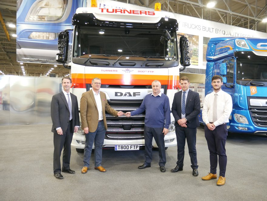 DAF Delivers XF 450 FTP Tractor to Turners