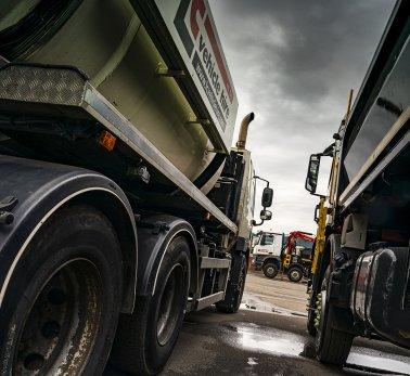 Bulk & Tipper Issue Three: LC Vehicle Hire