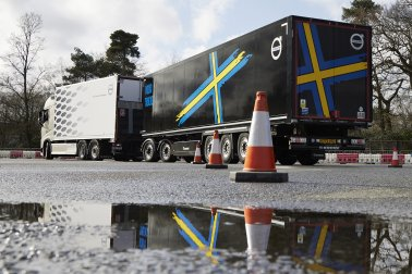 Bulk & Tipper Issue Ten: Volvo Trucks